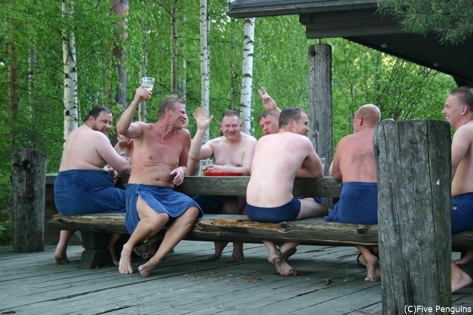 サウナを出てビールで乾杯!