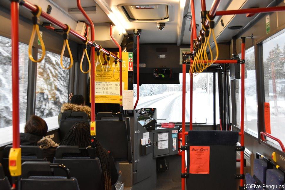 サンタクロース村への公共バス