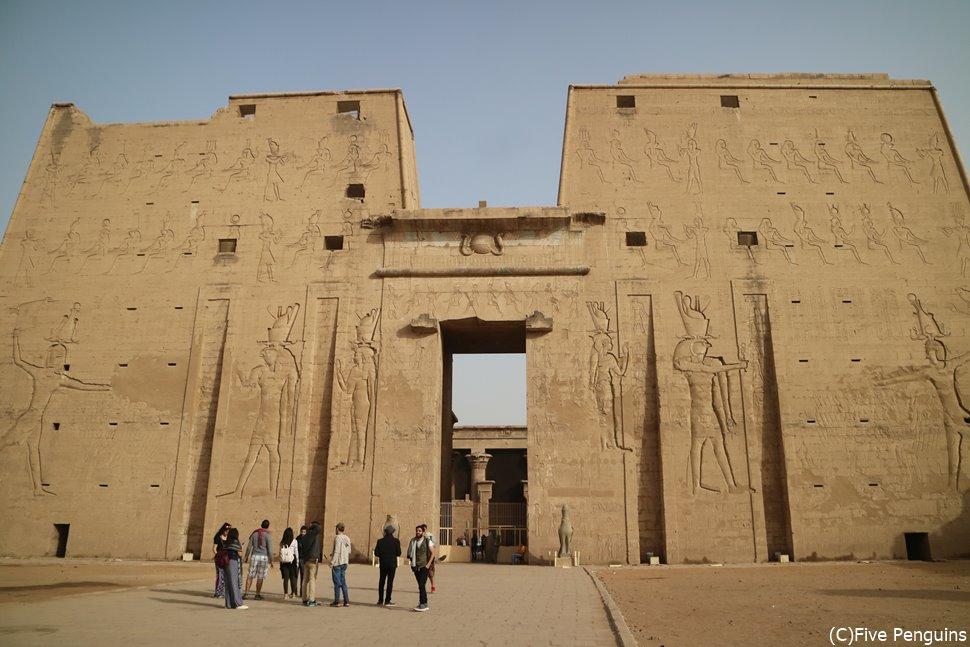 エドフのホルス神殿やアブシンベルまで足を延ばしたい