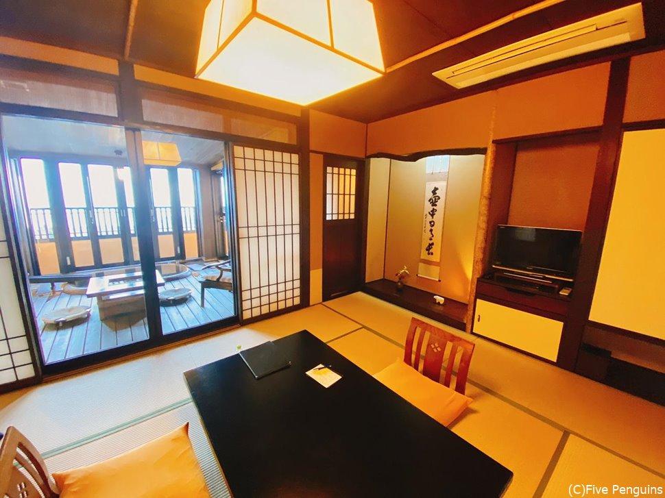 1階の和室スペース。広々としていて快適です