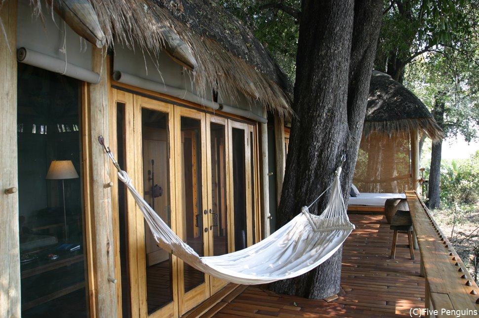 ジャオキャンプの部屋の心地よいベランダ