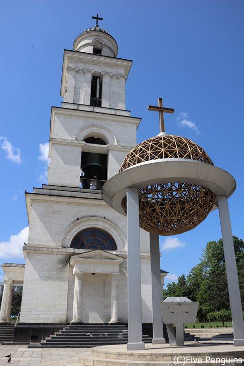 キシニョウ大聖堂の鐘楼