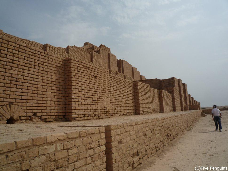 メソポタミア文明最高のジグラット(聖塔)