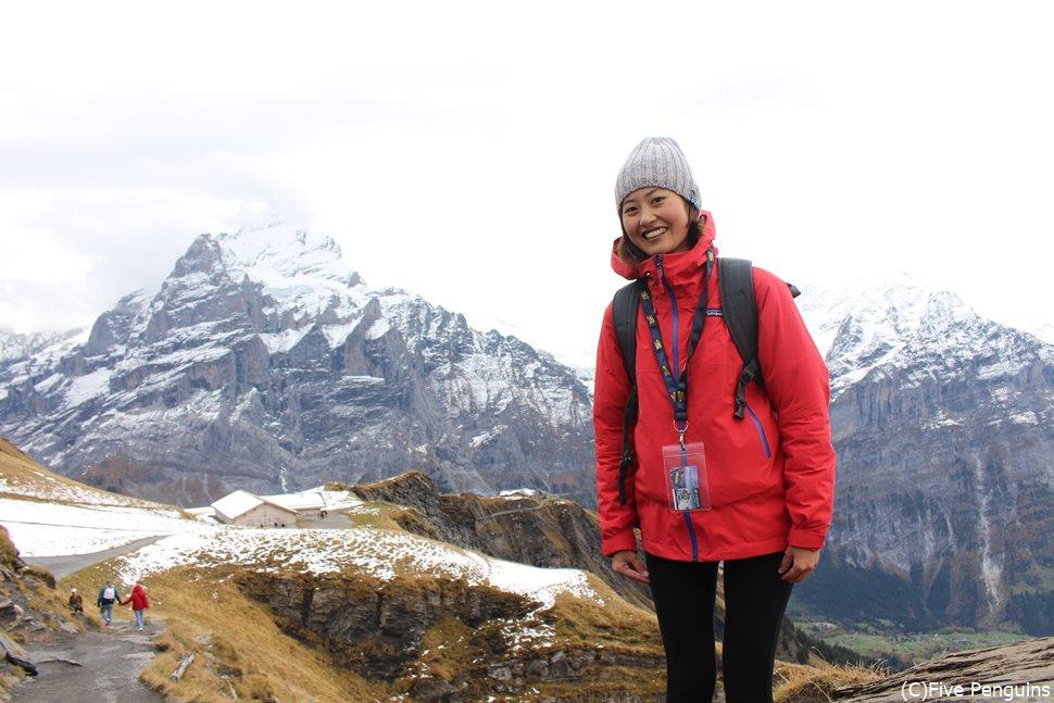 ヨーロッパの山は夏でも寒い所もあるので注意!(スイス)