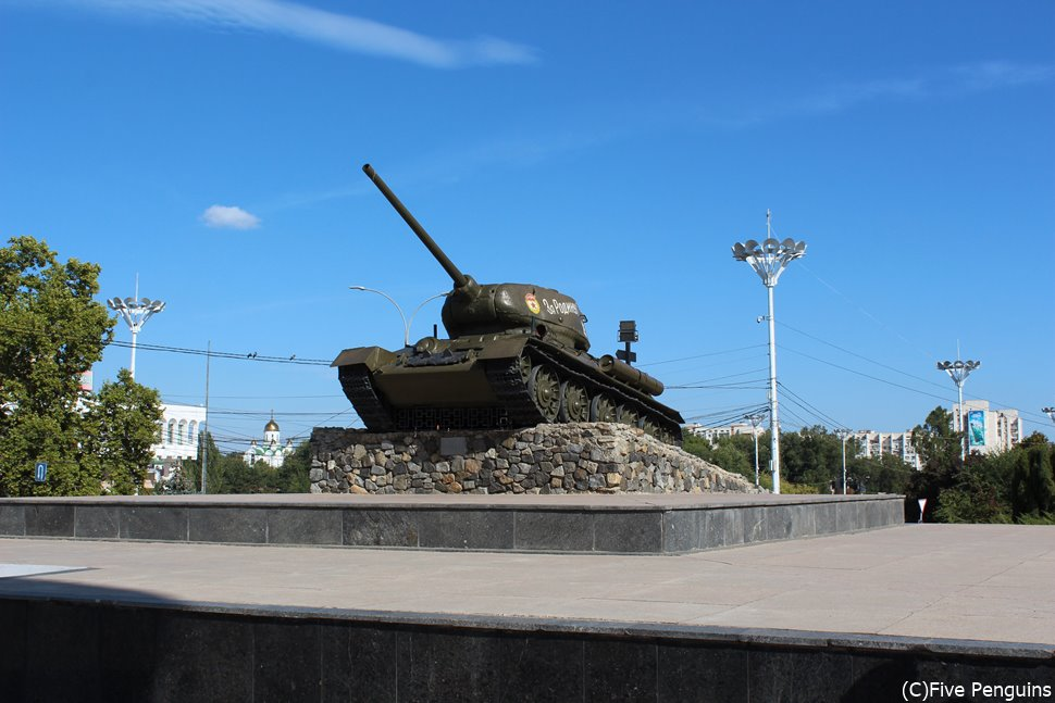 街中に堂々と置かれた戦車