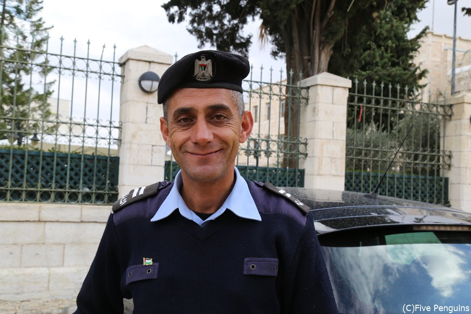 パレスチナにいた優しい警察官