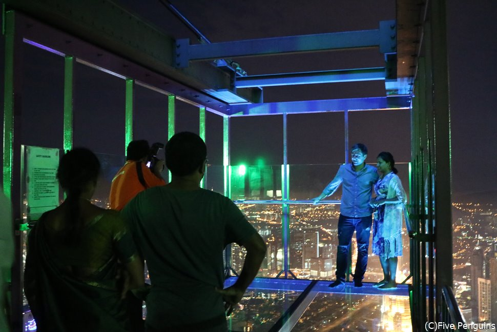 KLタワーのスカイボックスから夜景を眺める~