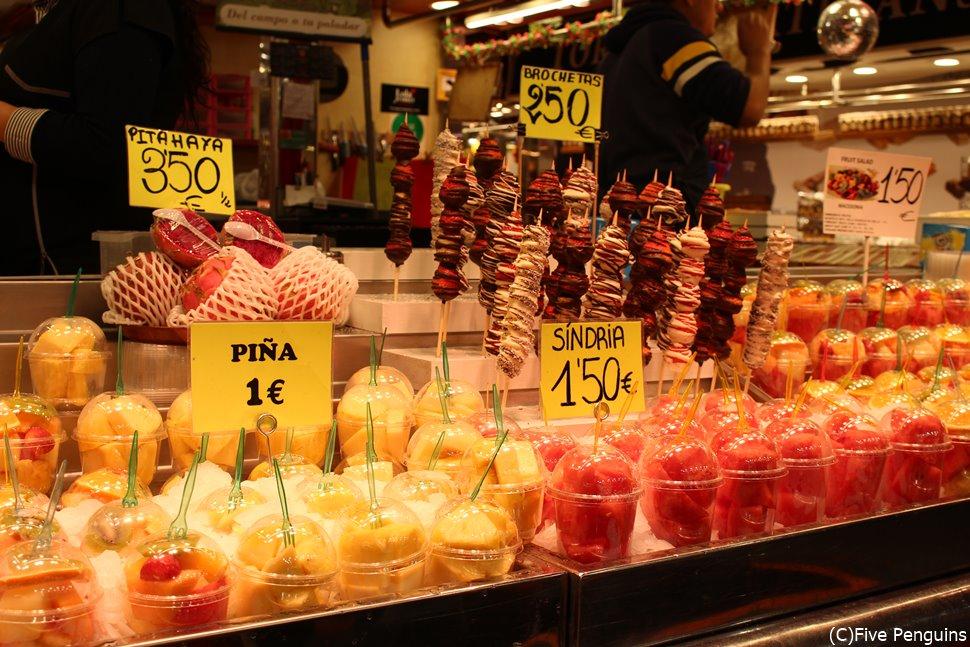 明るい色彩であふれるサン・ジュセップ市場
