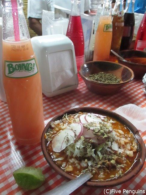 ビールにもレフレスコにもよく合うポソレ。メキシコ人が大好きな郷土料理です。