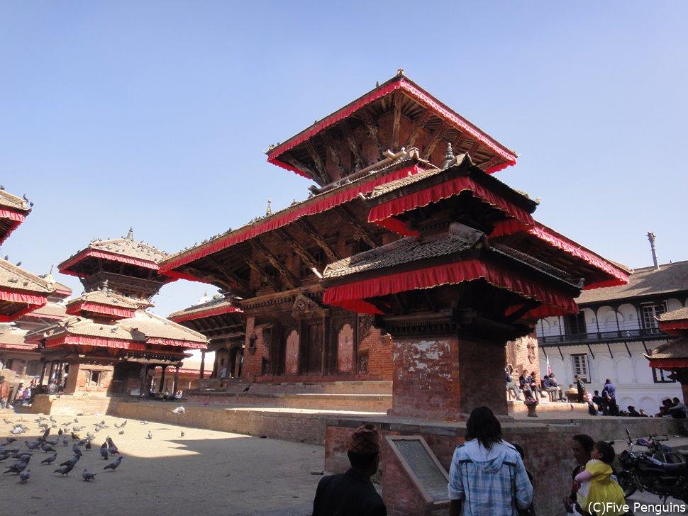 ダルバール広場のヒンドゥー寺院(大地震で破壊する前)