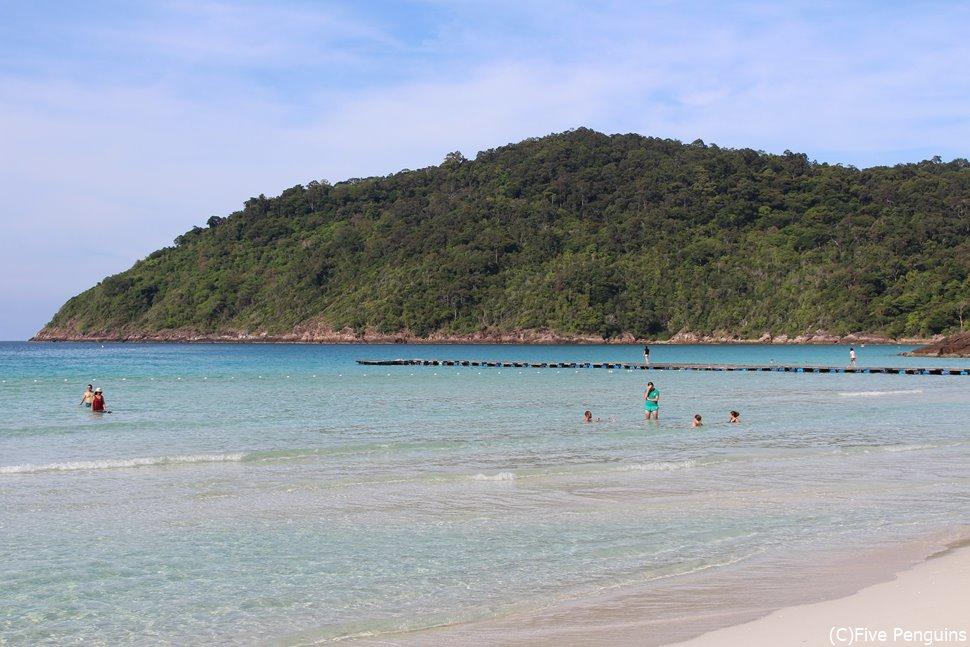 ターラスホテルのプライベートビーチ