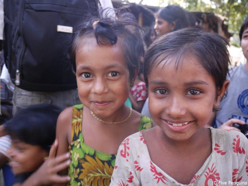 マイクロクレジットの村<ノルシンディ>の子供たち