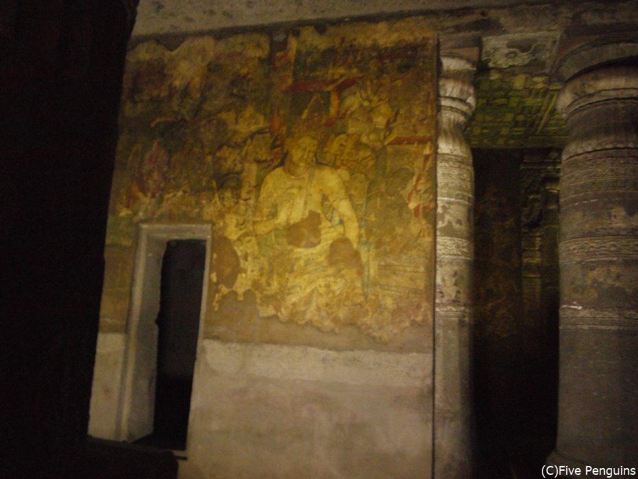 曲線が美しい蓮華手門神が描かれた第1窟