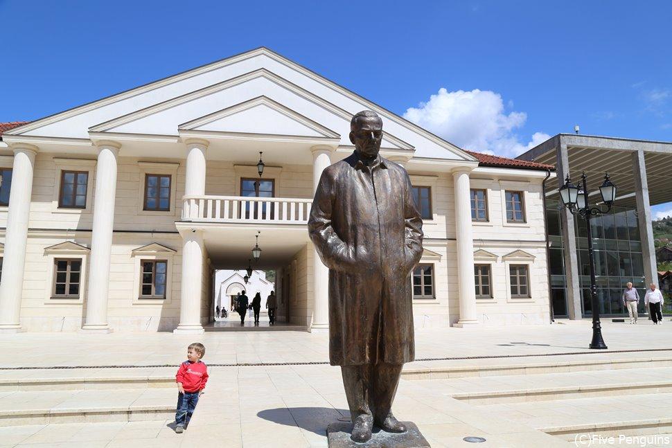 観光・文化などの複合施設アンドリッチグラードにある銅像