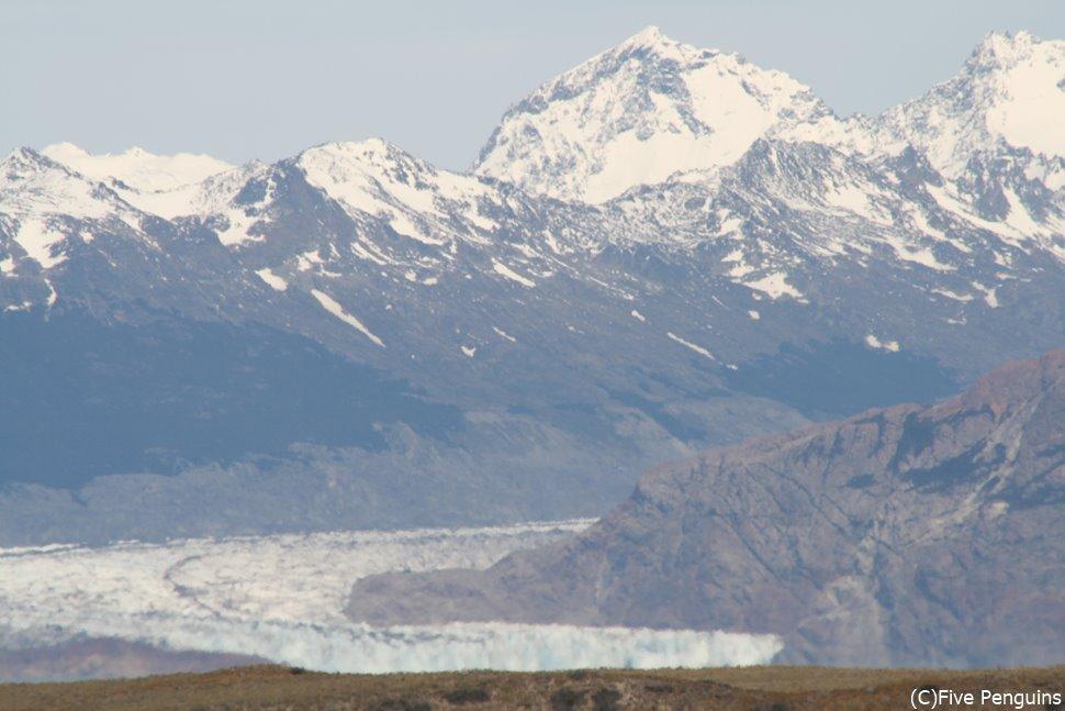 国立公園内で2番目に大きいビエドマ氷河
