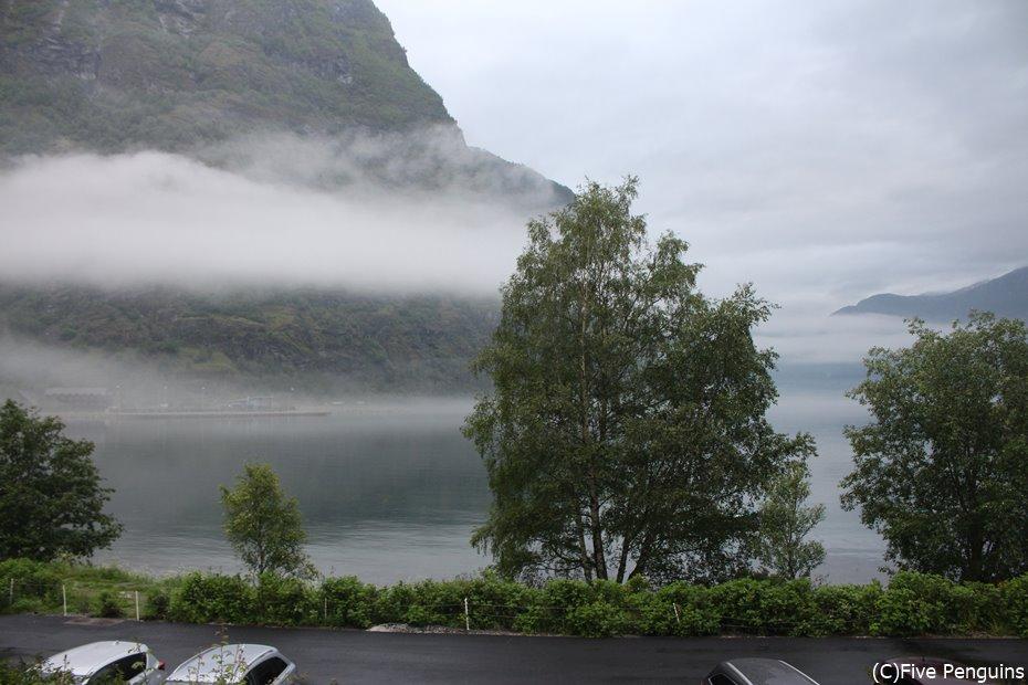ゆっくり宿泊してフィヨルドの朝靄も楽しみたい