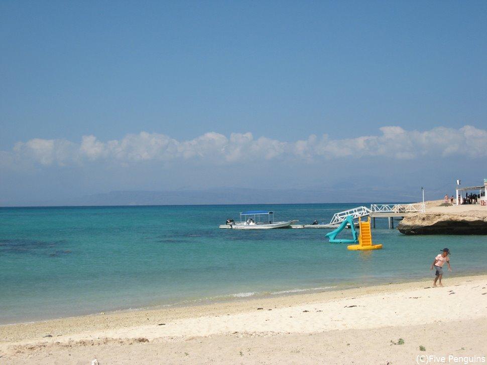 青い海が広がるムシャ島