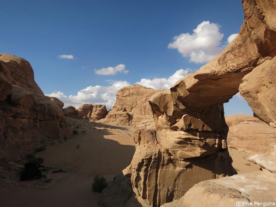 4WDで砂漠への奥へと進みます