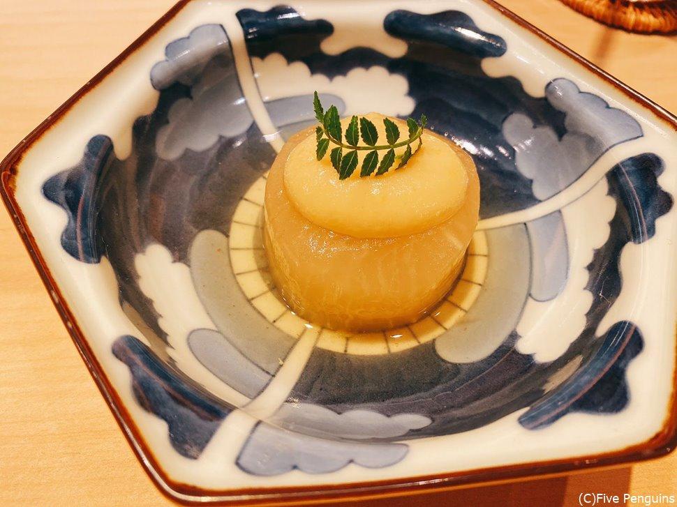 ふろふき大根、白みそベースの柚子味噌添え
