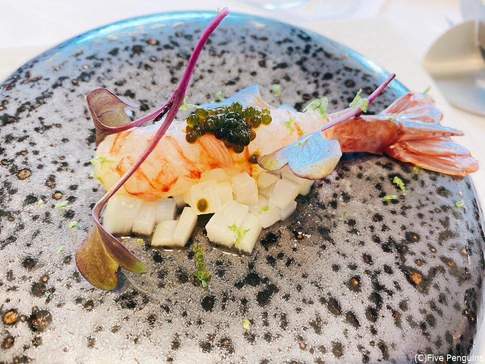 幻のブドウ海老の一皿 HAGIフランス料理店にて