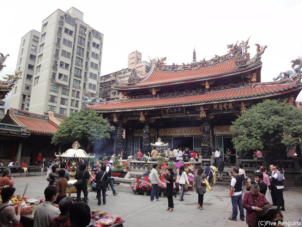 台北市内観光 龍山寺