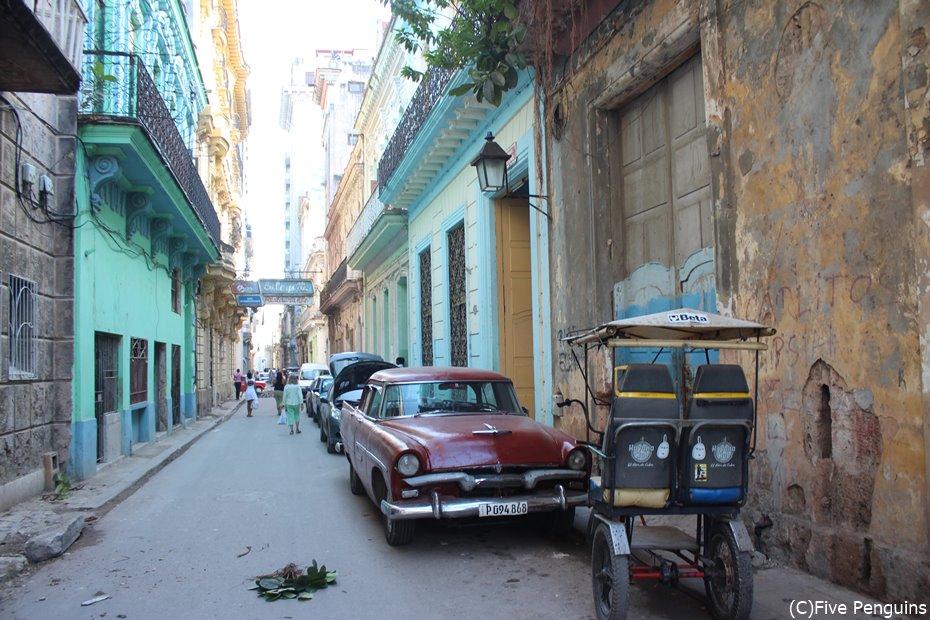 タイムスリップしたような旧市街の街並み
