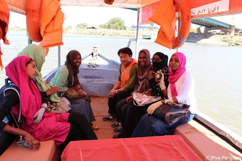 ナイル河クルーズの船にて<スーダン>