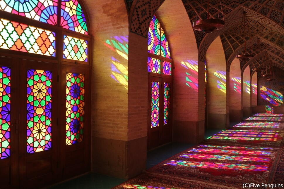 イランで話題のピンクモスクに行ける日も近いかも?