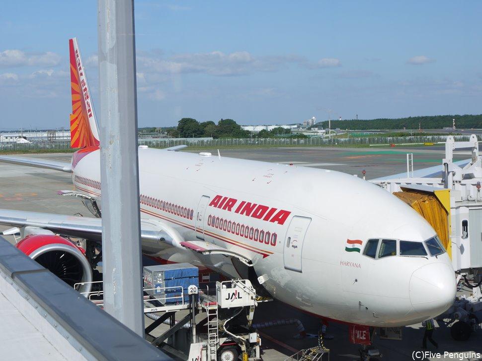 飛行機に搭乗した瞬間にそこはもうインド!エアインディア