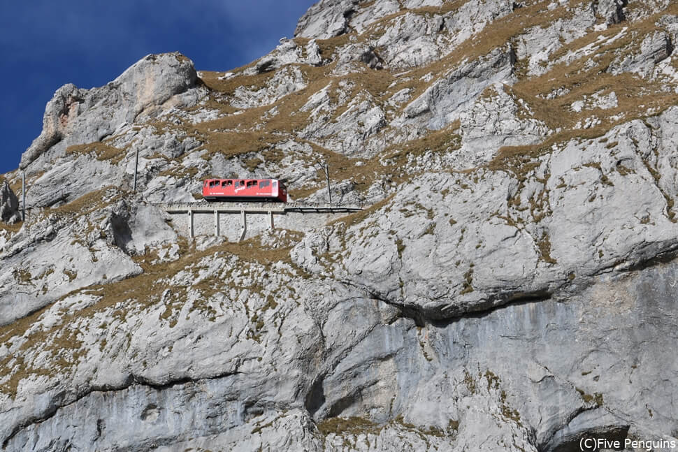 ピラトゥス山 世界一急勾配の登山列車