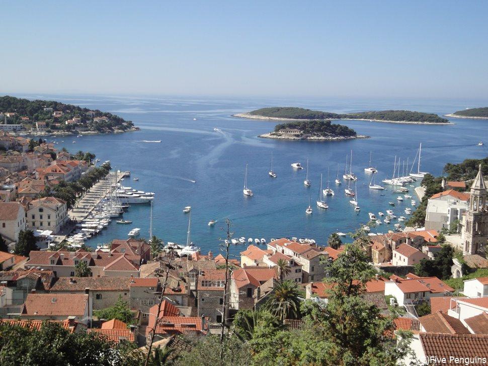 アドリア海に浮かぶフヴァル島はラベンダー栽培が有名