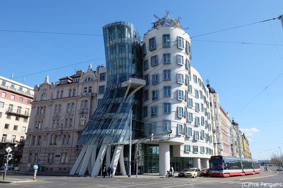 プラハのユニークな現代建築ダンシング・ハウス