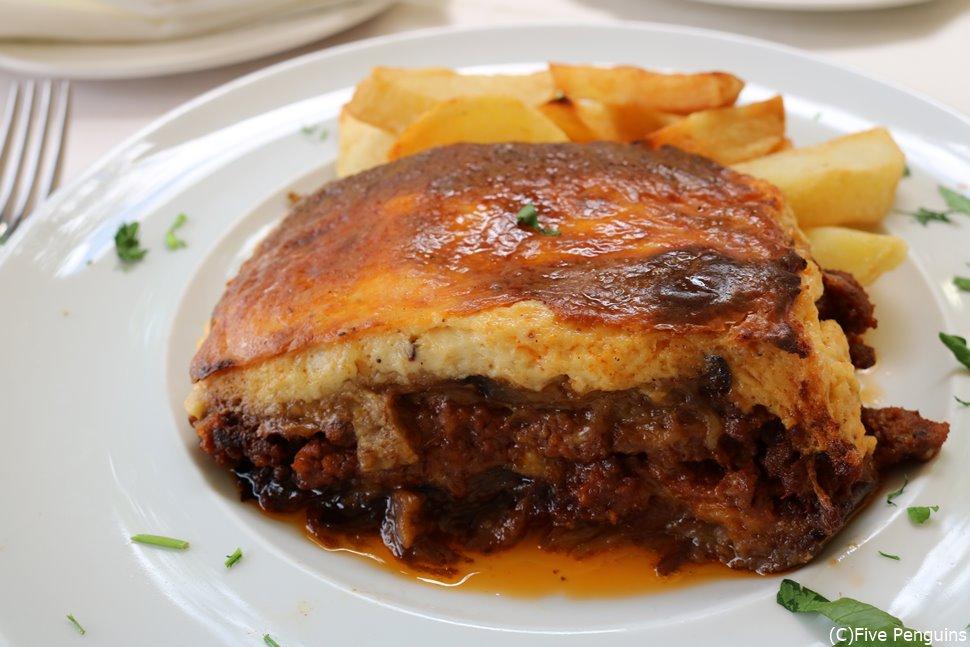 ギリシャに行ったら食べてみたい、グラタンのような料理ムサカ