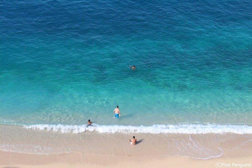 グラデーションが美しいカシュのビーチ