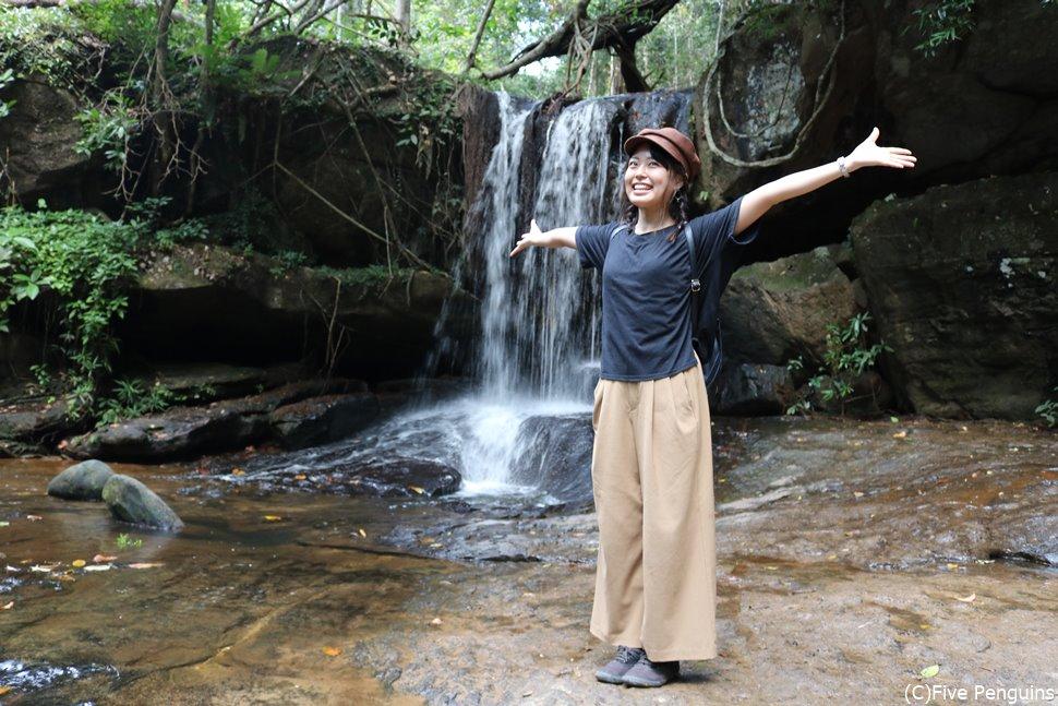 水中の遺跡クパスピアンへは雨季の終わった直後の方が水量も多く見応えあり