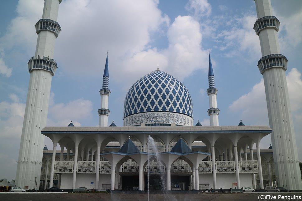 こちらブルーモスク。本当に綺麗なモスクが沢山あります。