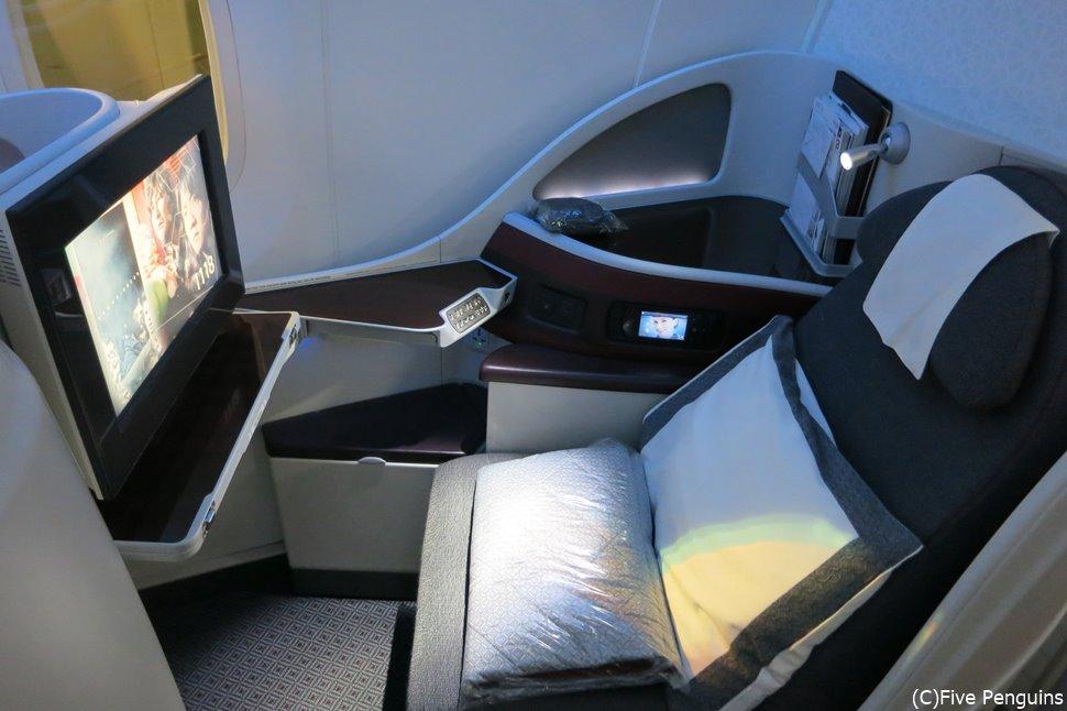 人生に一度は乗りたい5つ星エアラインカタール航空のビジネスクラス。