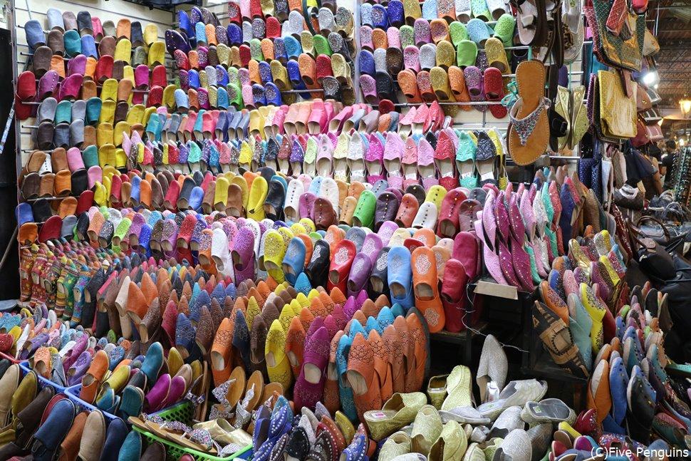 モロッコ土産の定番といえばカラフルなバブーシュ!