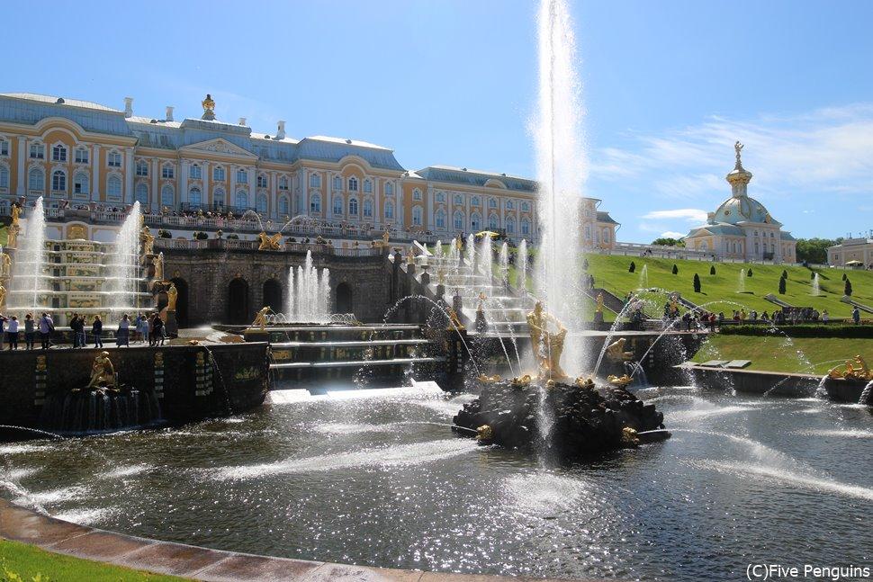 サンクトペテルブルクへは他国乗継ぎでも行けるが!?