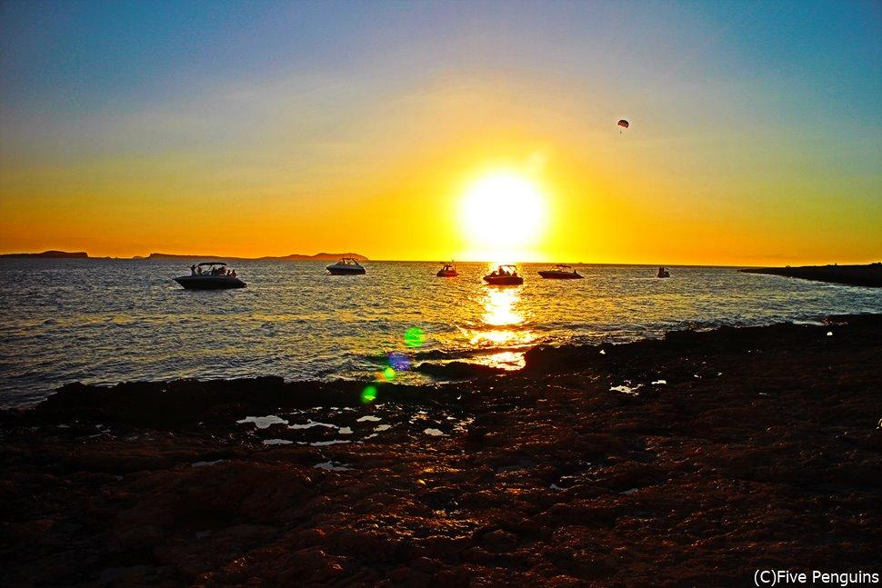 絶景の夕日が見たいならレッツゴ-!イビサ島!