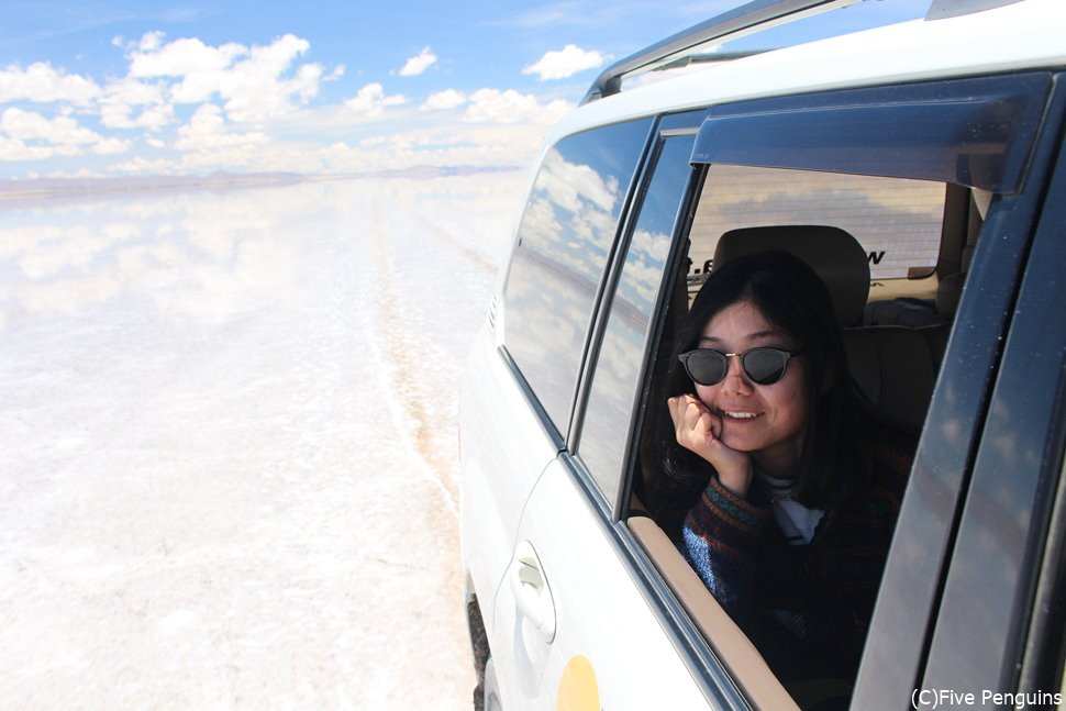 ウユニ塩湖をドライブ!<ウユニ>