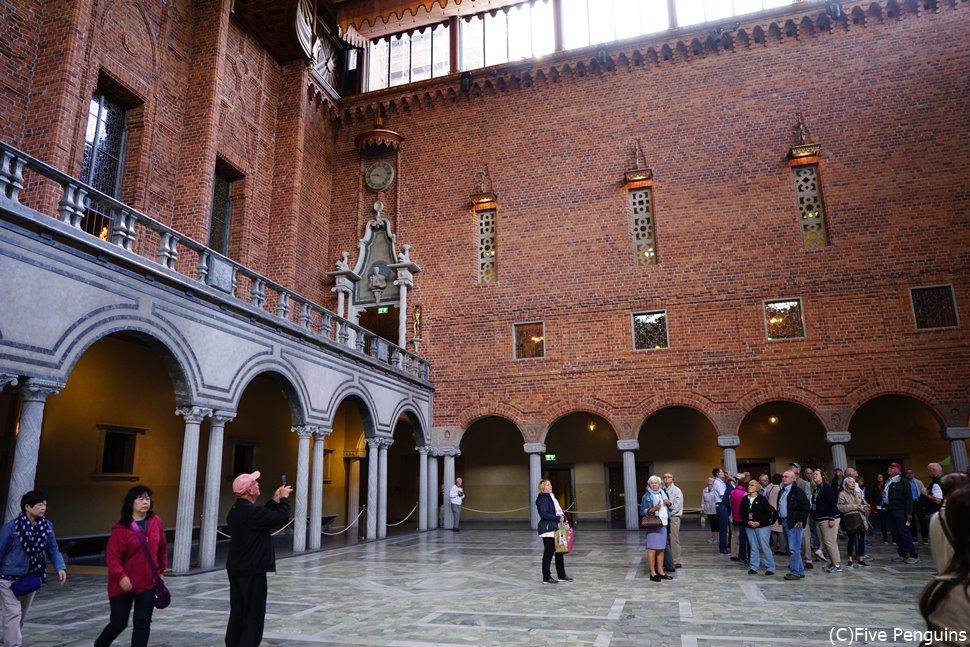 ストックホルム市庁舎(青の間) ノーベル賞授賞式では密になります…