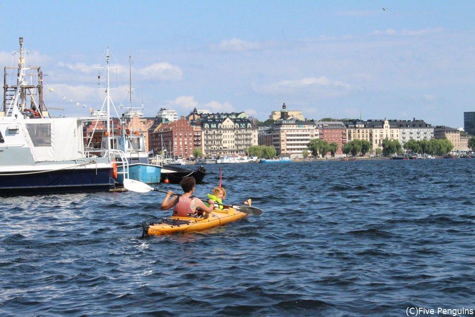 運河ボートツアーで夏を満喫!