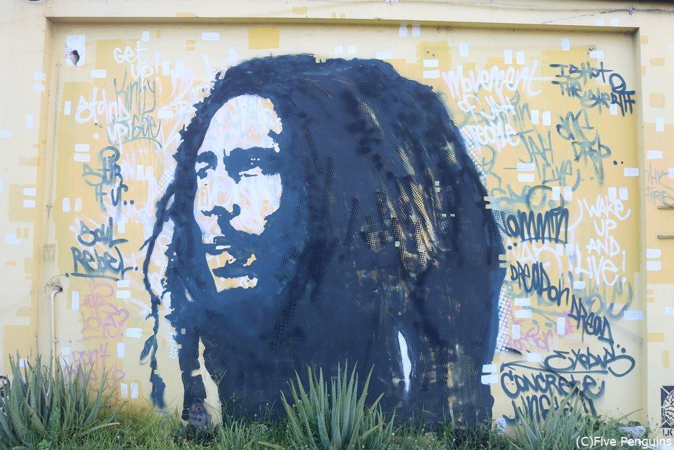 タフ・ゴングスタジオの壁画<キングストン/ジャマイカ>