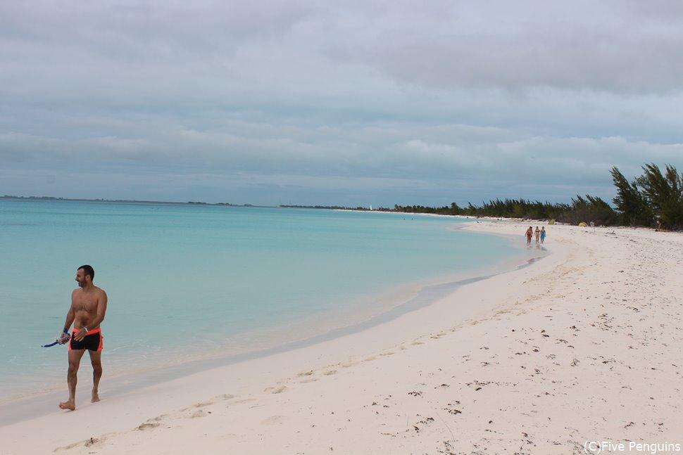キューバの秘境ビーチ「カヨ・ラルゴ」