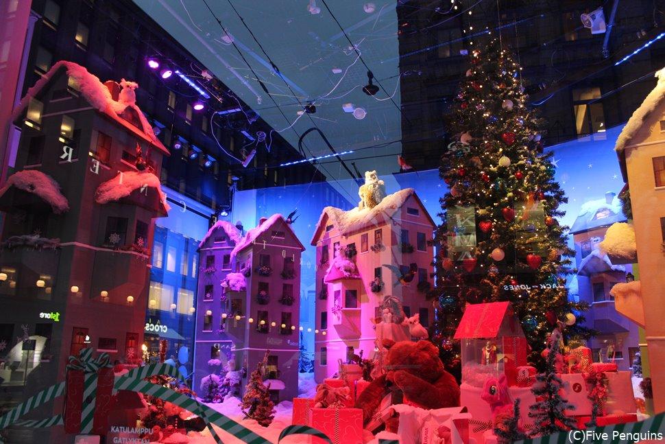 デパートのクリスマスデコレーション(ヘルシンキ)