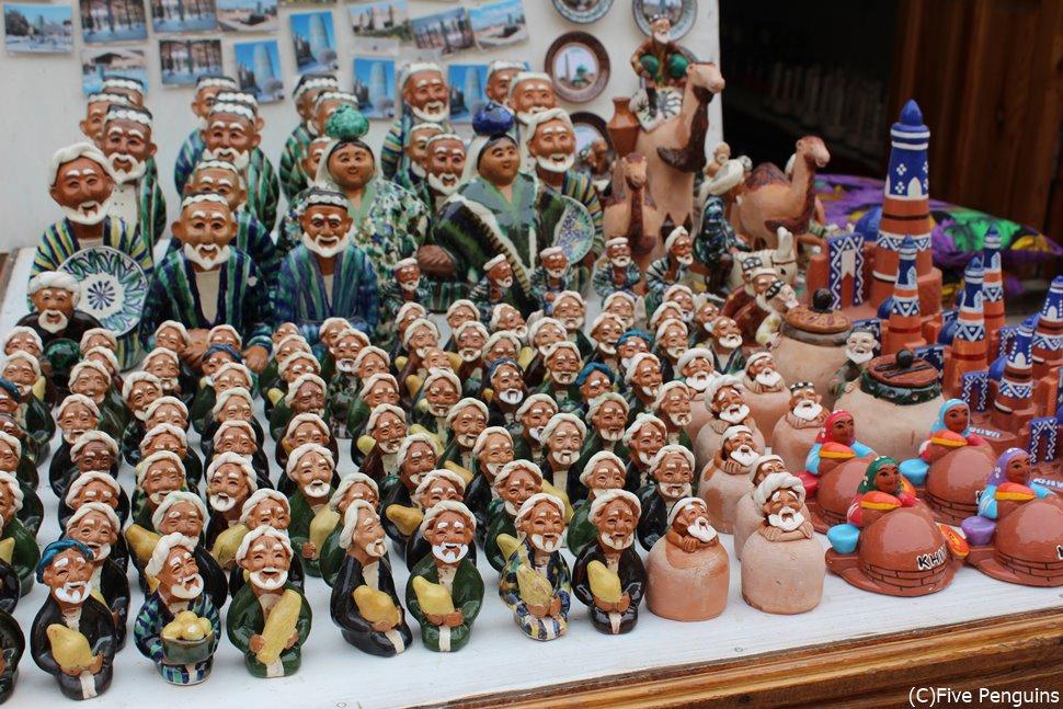 可愛らしいお土産選びもウズベキスタン旅行の楽しみ