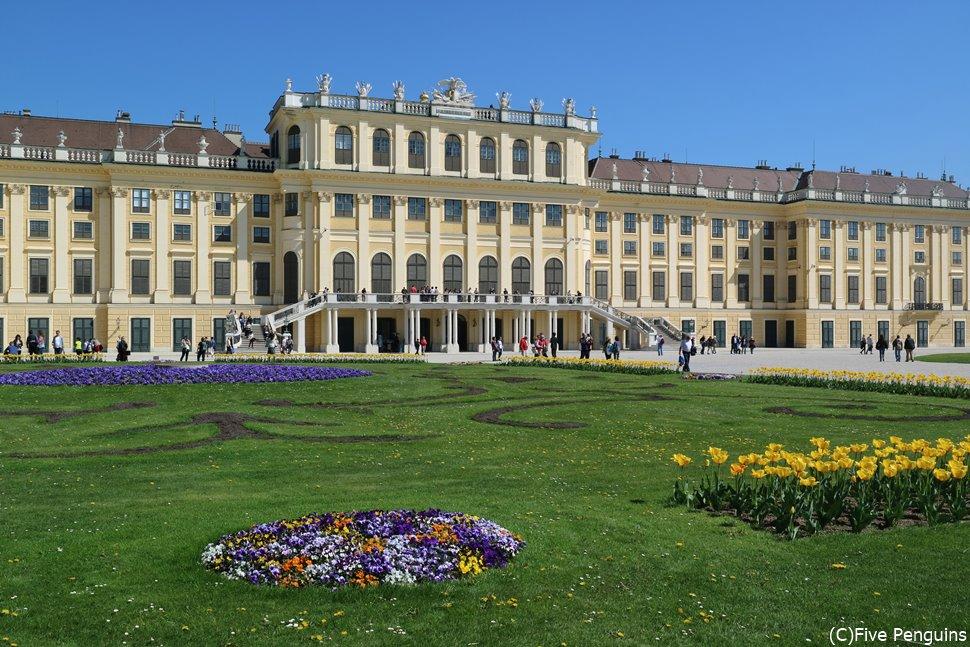 観光の定番、シェーンブルン宮殿!