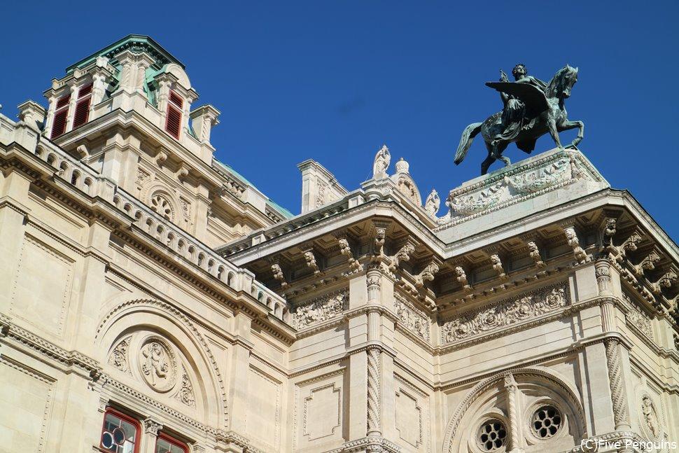 ヨーロッパ3大オペラハウスのひとつ