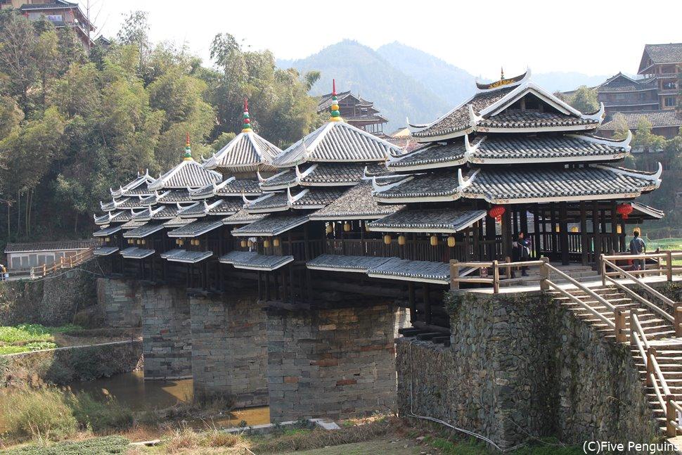 日本の伝統的な木造建築のルーツ?三江の風雨橋